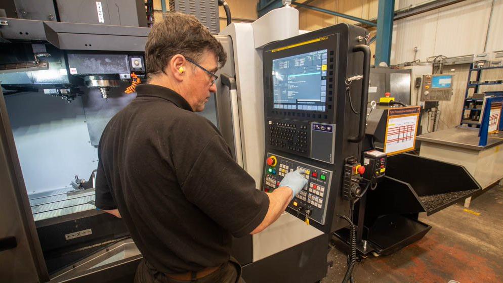 Dyer Engineering machining specialist begins work with CNC machine
